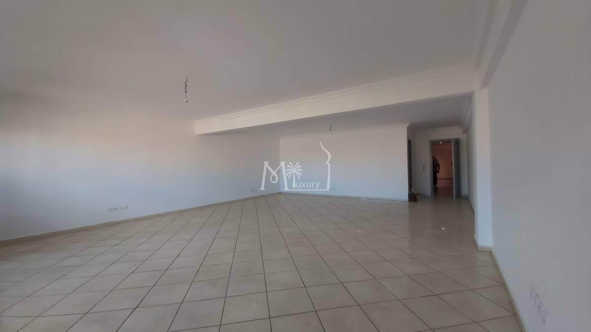 Bureau de 73 m² à louer Guéliz