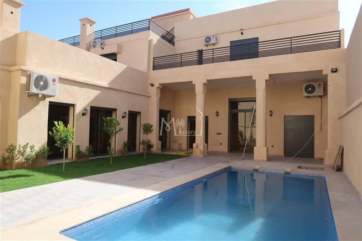 Villa neuve à louer Agdal