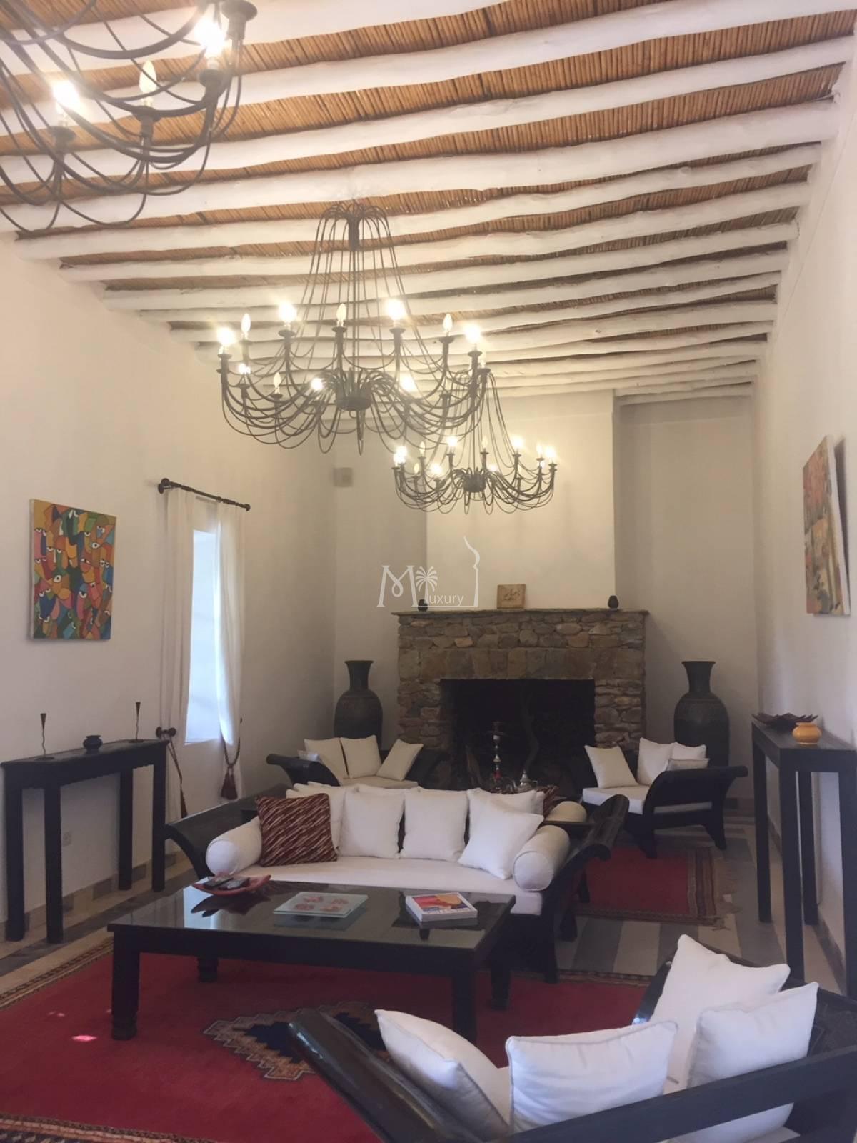 Superbe villa sur la route d'Agadir