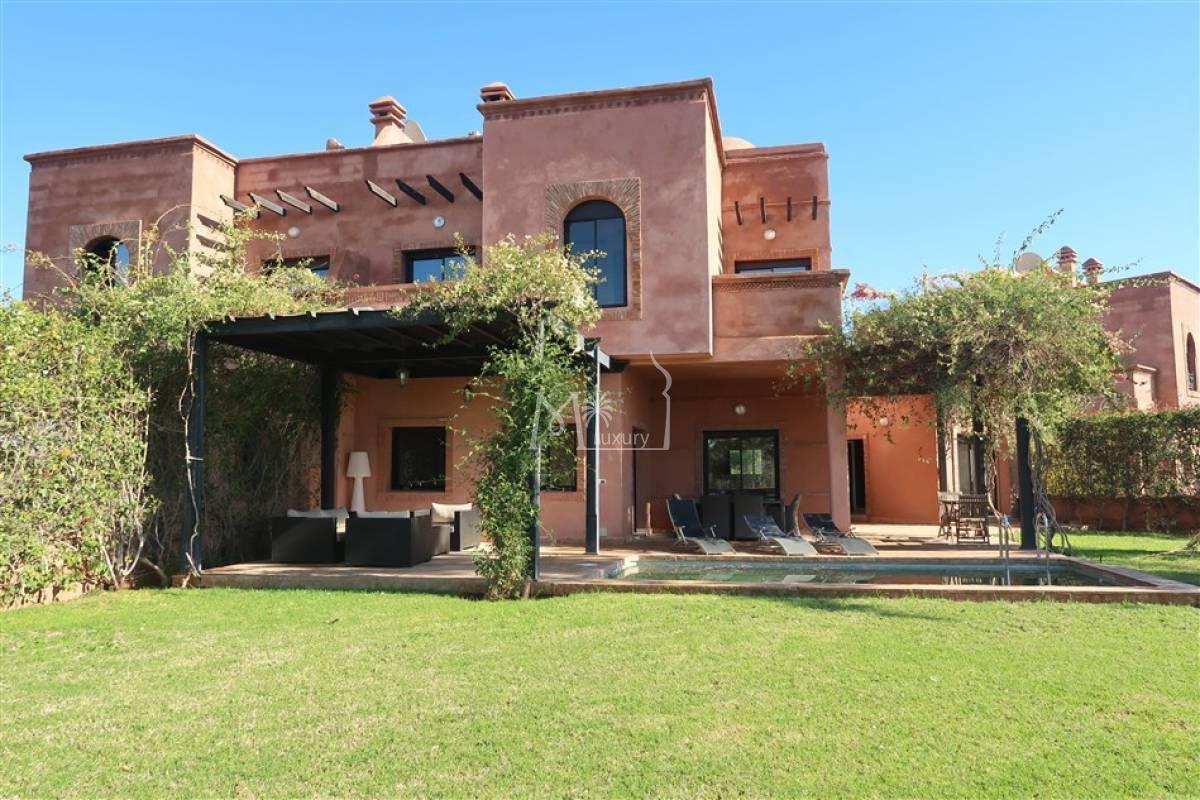 Belle villa à vendre sur Golf