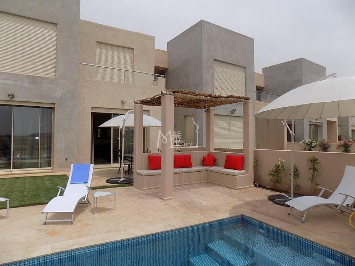 Moderne villa sur la route d'amizmiz