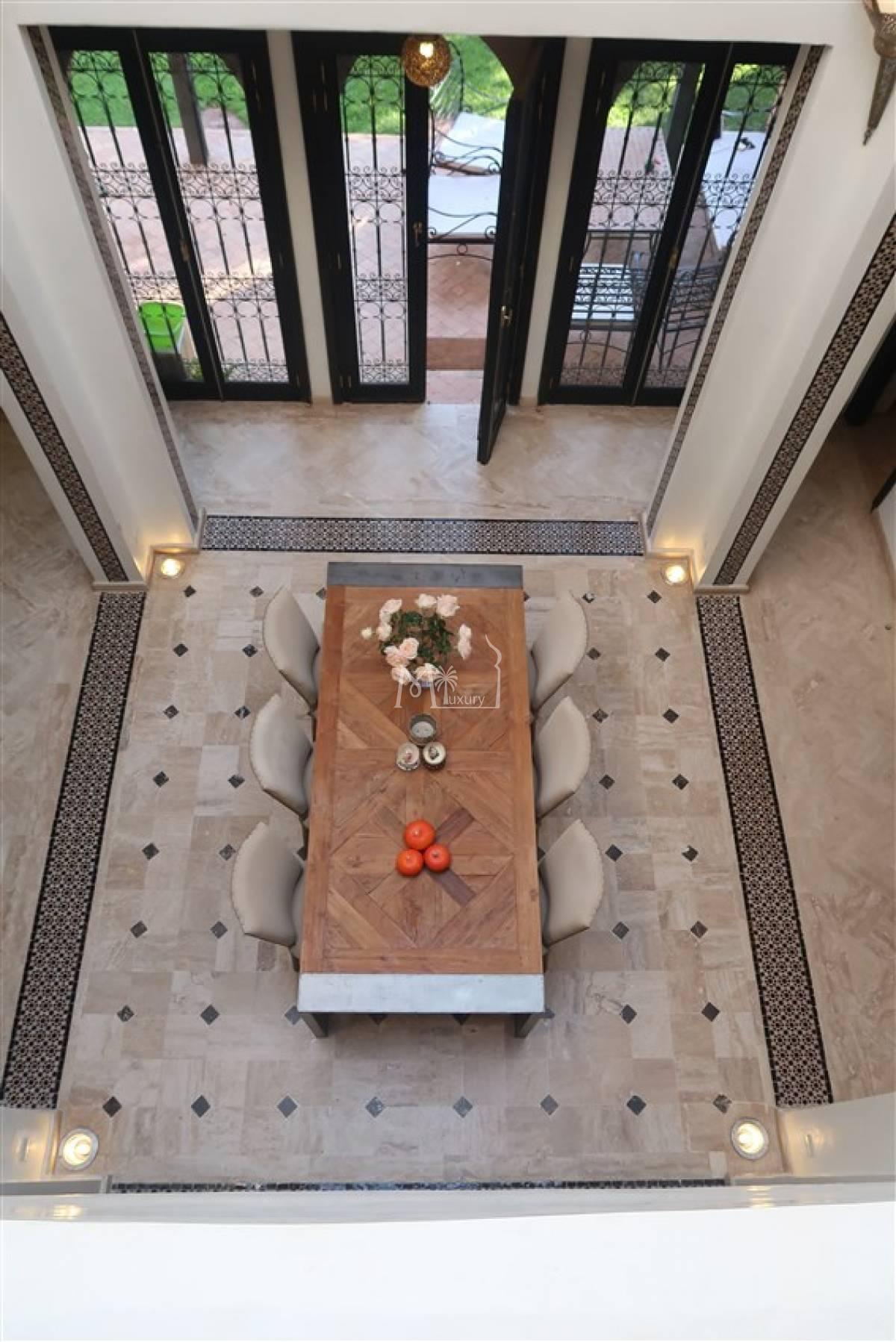 Villa style riad à vendre route de fes
