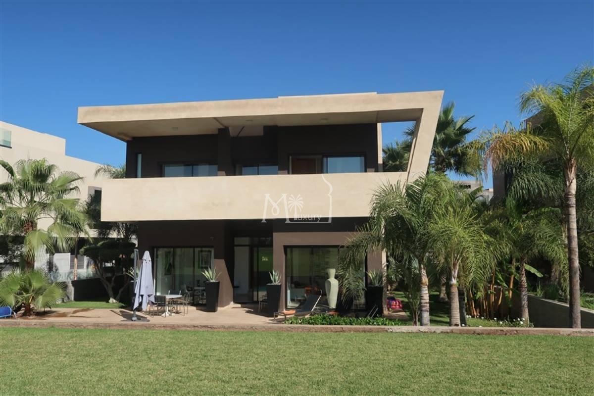 Charmante villa sur Golf
