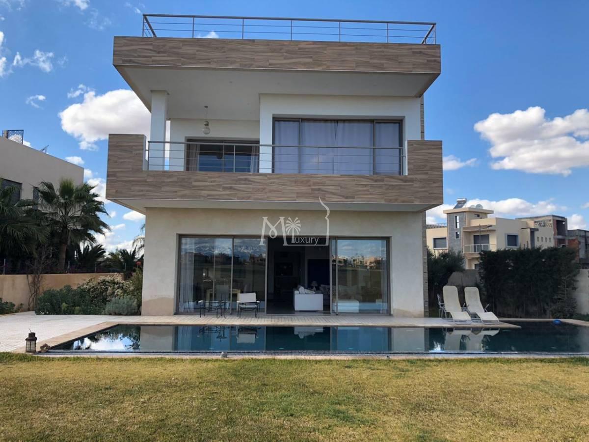 Belle villa contemporaine sur la route d'Amizmiz