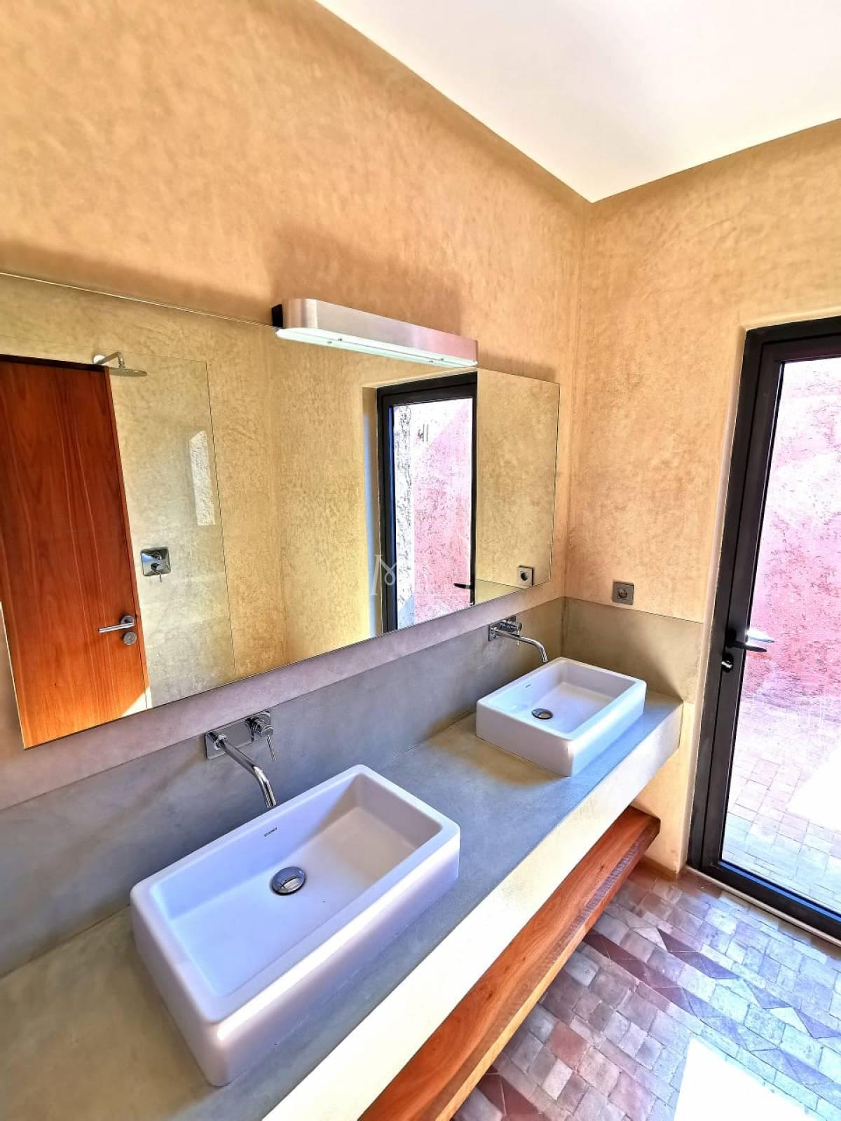 Magnifique villa à vendre route d'amizmiz