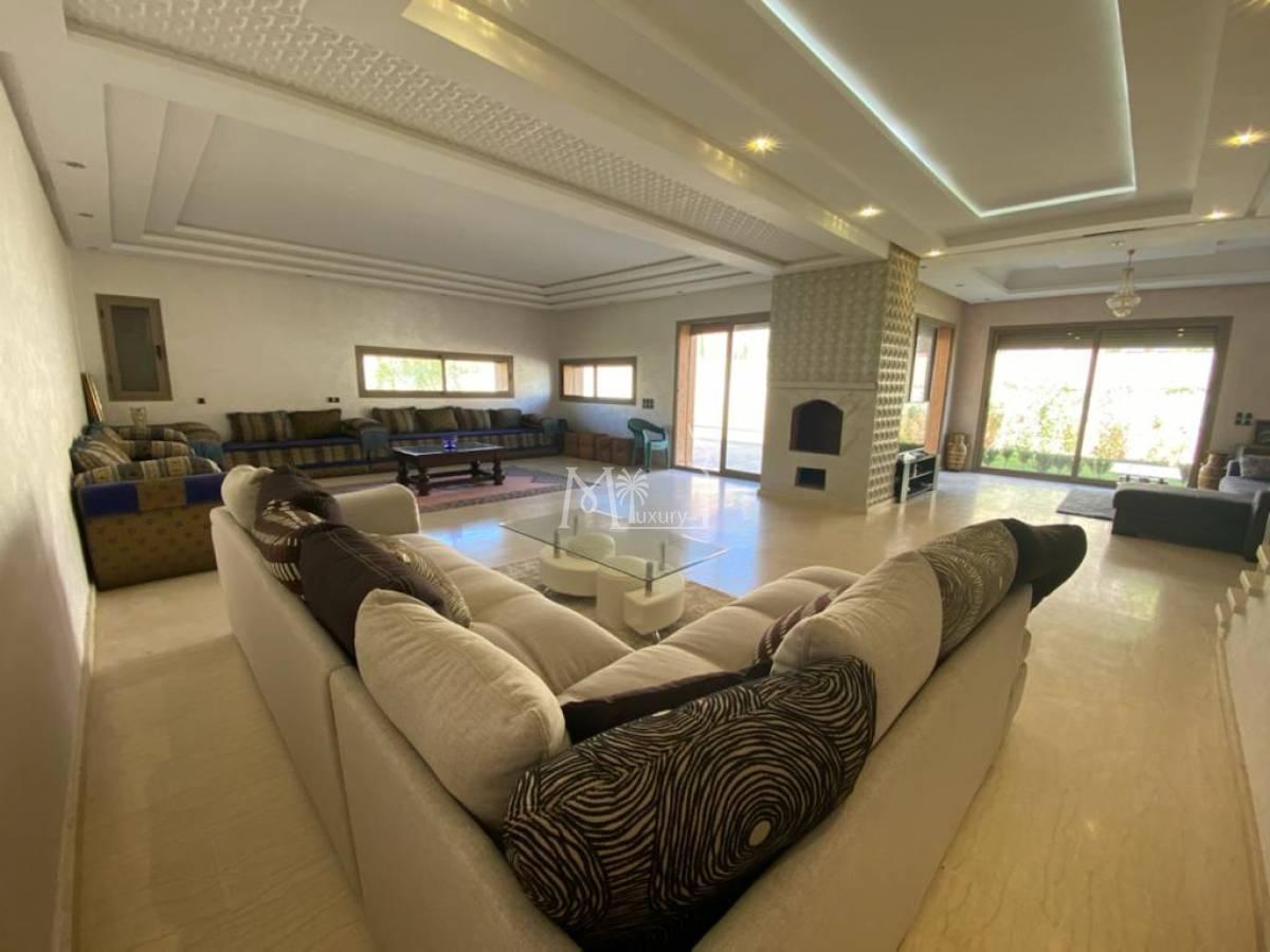 Villa 3 ch à vendre route de l'ourika