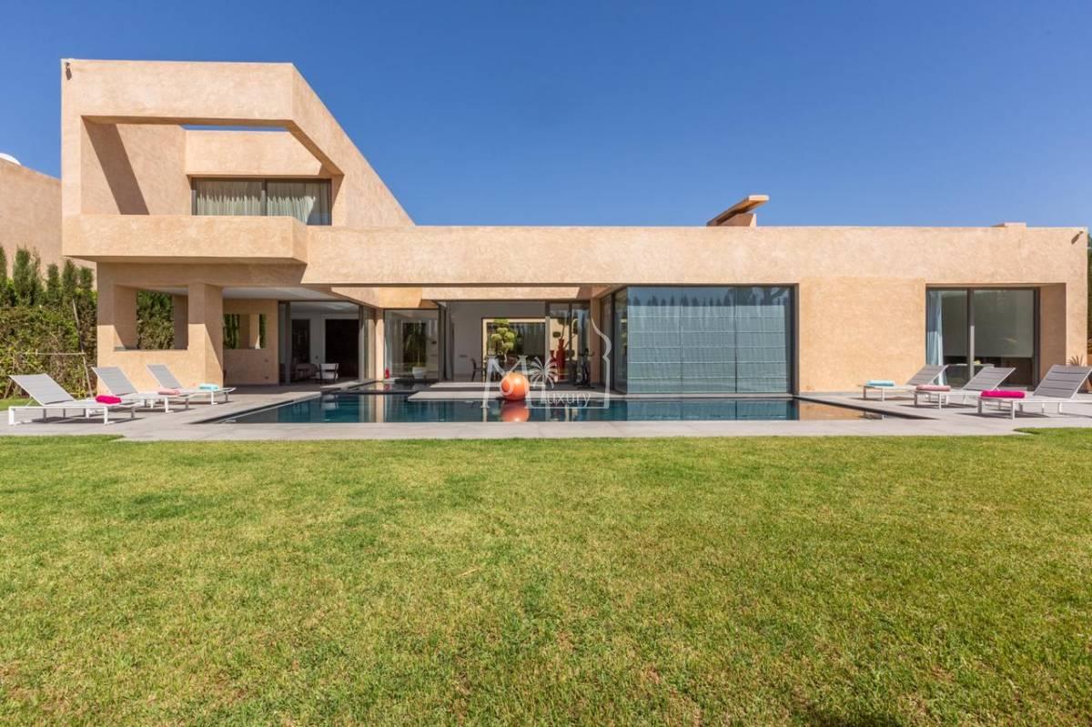 Luxueuse villa à vendre route de ouarzazate